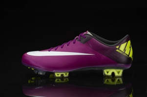 Global_Ftball_5_15_mercurial_blk_low_tif