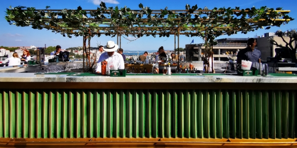 Do renovado Sky Bar SEEN Lisboa
