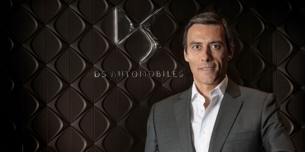 O David conduz a DS Automobiles