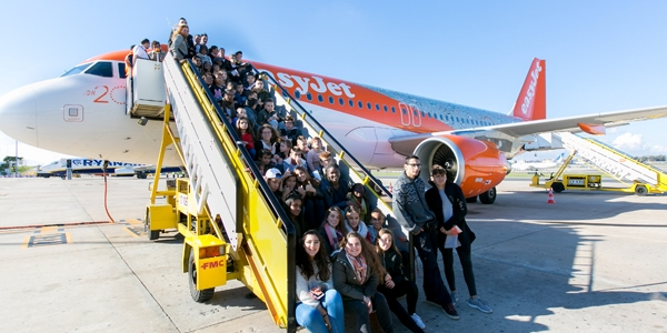 easyJet aterra nos Shorty Awards. Com a Uzina
