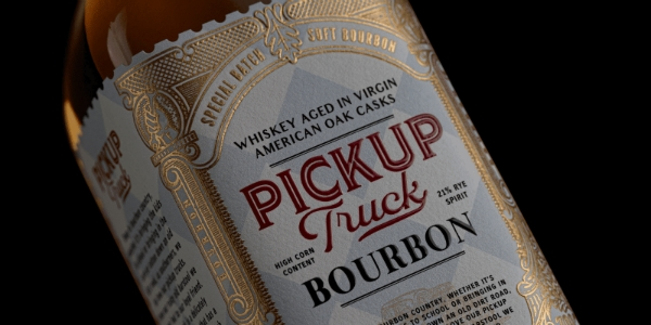Este bourbon Think Bold no Packaging